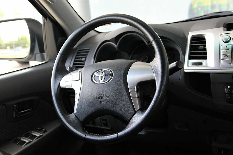 Toyota Hilux 3.0D AT